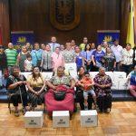 Municipio entregó ayuda social a trabajadores del centro penquista